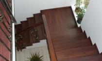 Placare scara din beton cu lemn masiv de stejar